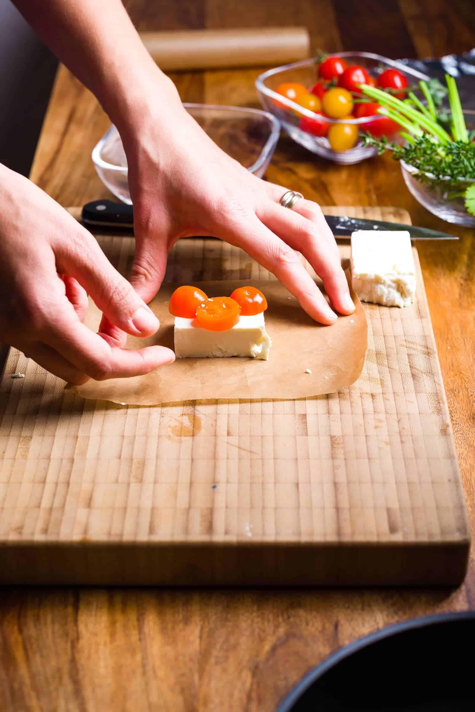 Cartocci di feta aromatizzata_ricetta_gnamam.com_prep2
