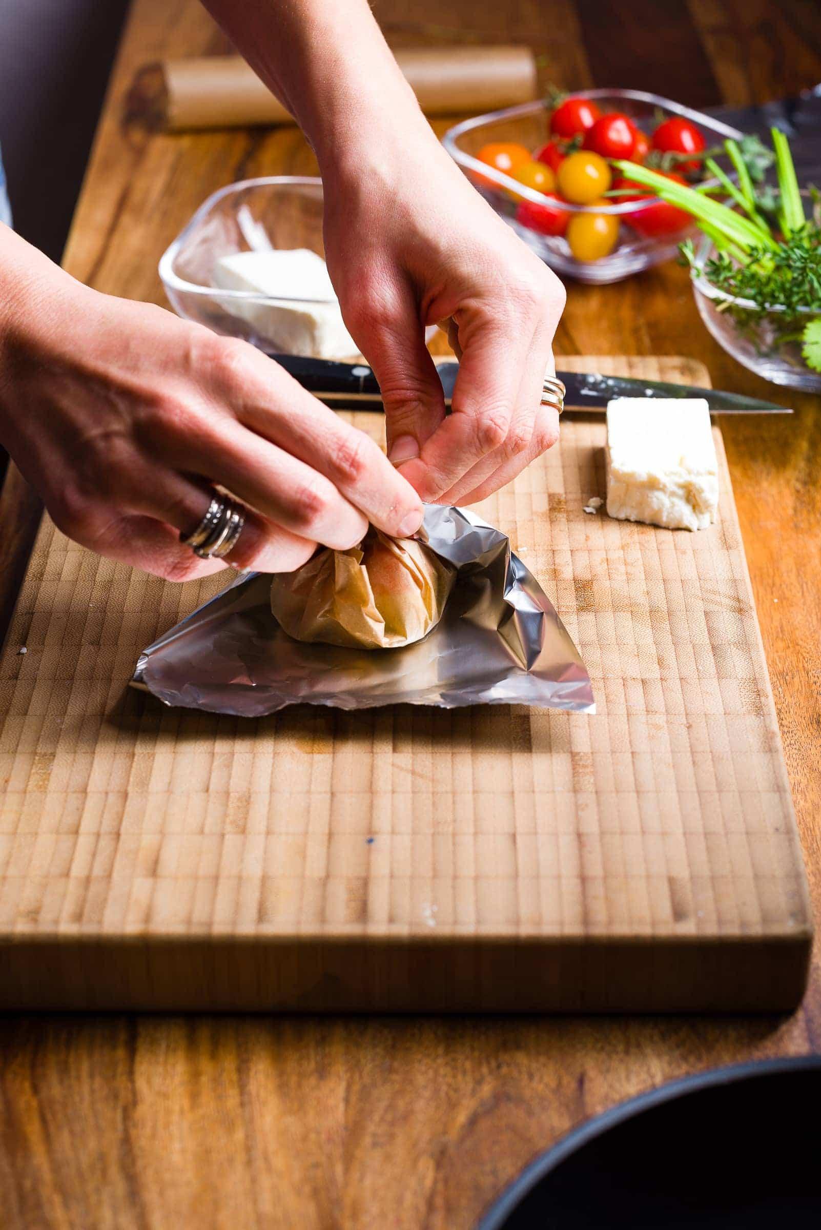 Cartocci di feta aromatizzata_ricetta_gnamam.com_prep5