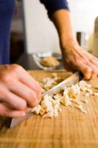 Filetto di salmone al forno con molliche di pane croccanti Prep1 Gnamam.com