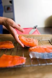 Filetto di salmone al forno con molliche di pane croccanti Prep6 Gnamam.com