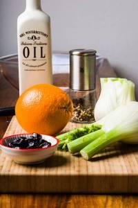 Insalata di finocchi arance olive nere preparazione 01