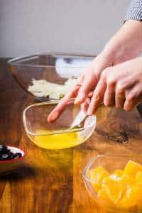 Insalata di finocchi arance olive nere preparazione 05