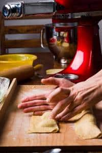 Ravioli con ricotta e spinaci ricetta GnamAm.com preparazione 10
