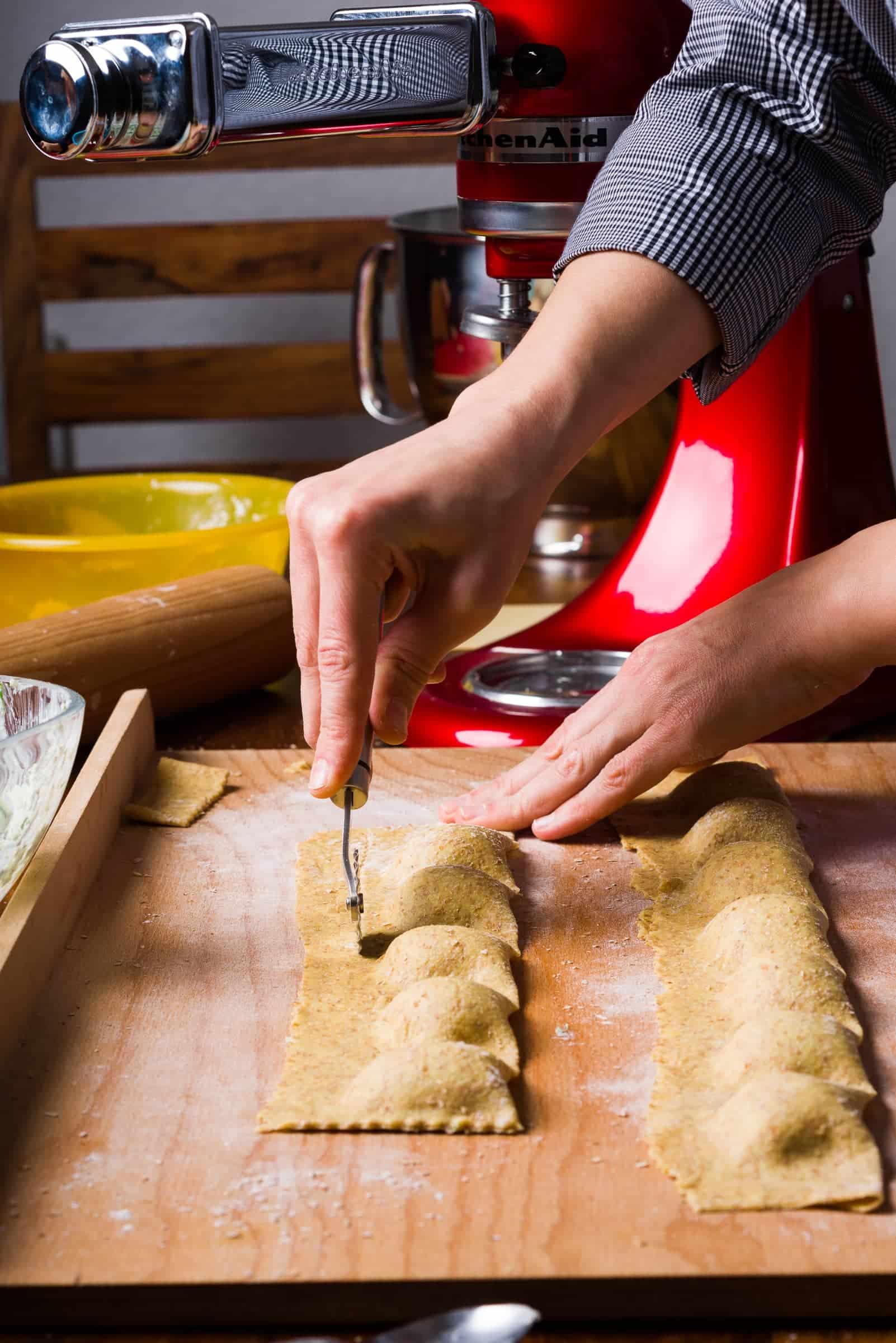 Ravioli con ricotta e spinaci ricetta GnamAm.com preparazione 11